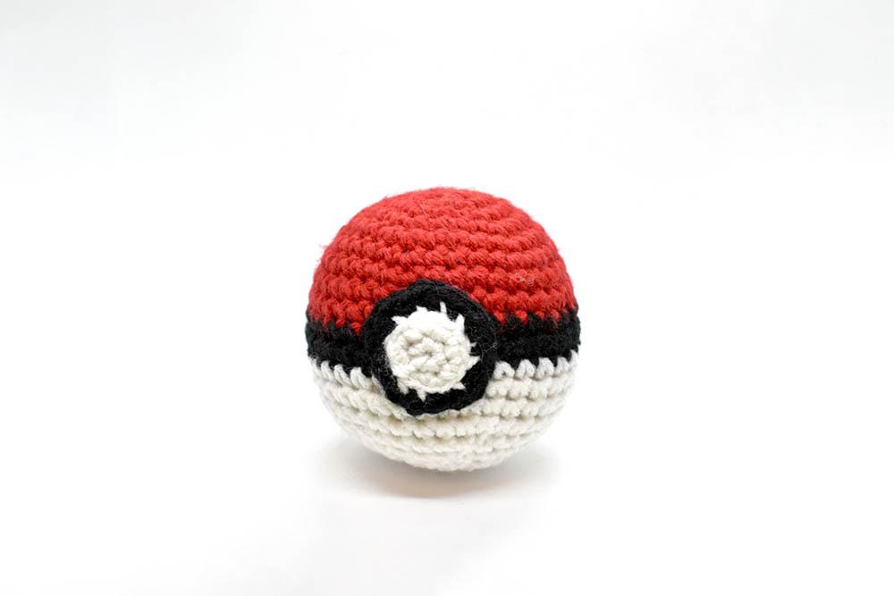 Crochet Pokeball Coaster Pattern | 667x1000