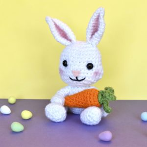 crochet bunny rabbit holding a crochet carrot