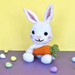 crochet bunny rabbit holding a crochet carrot